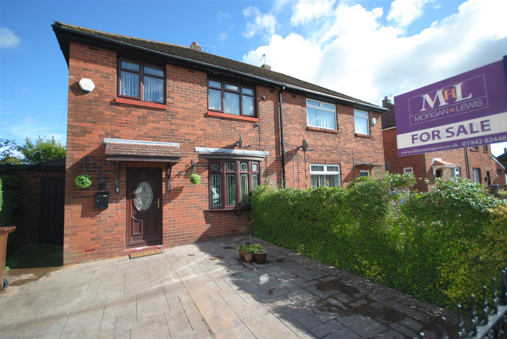 3 Bedrooms Semi Detached House for sale in Kingsley Avenue, Worsley Mesnes, Wigan